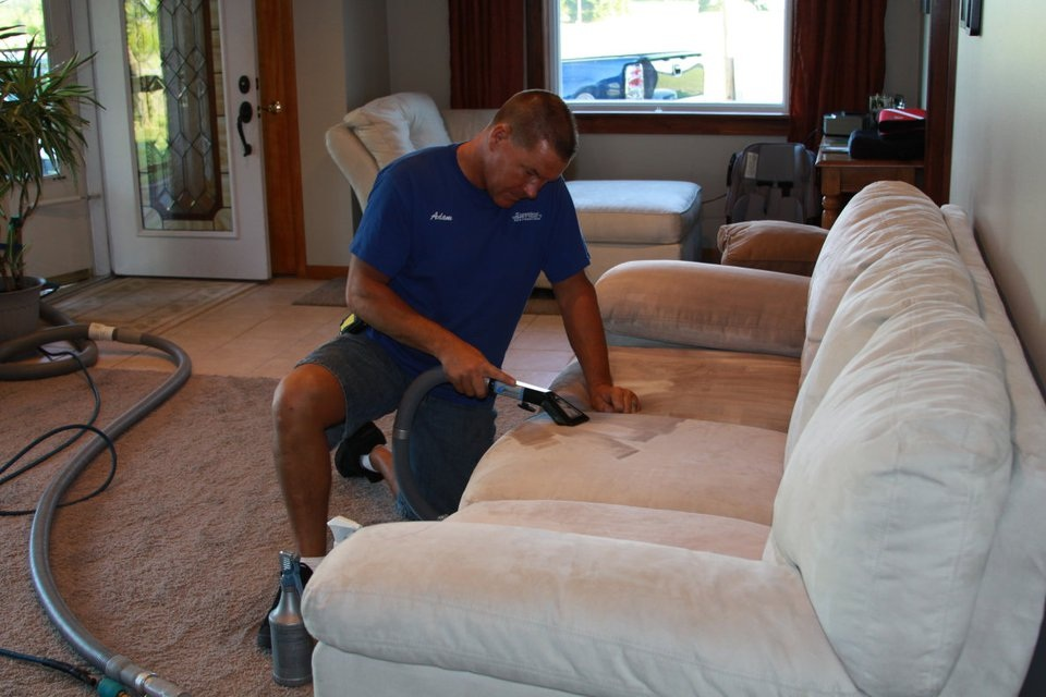 Couch Dust Cleaning Vermont 3133